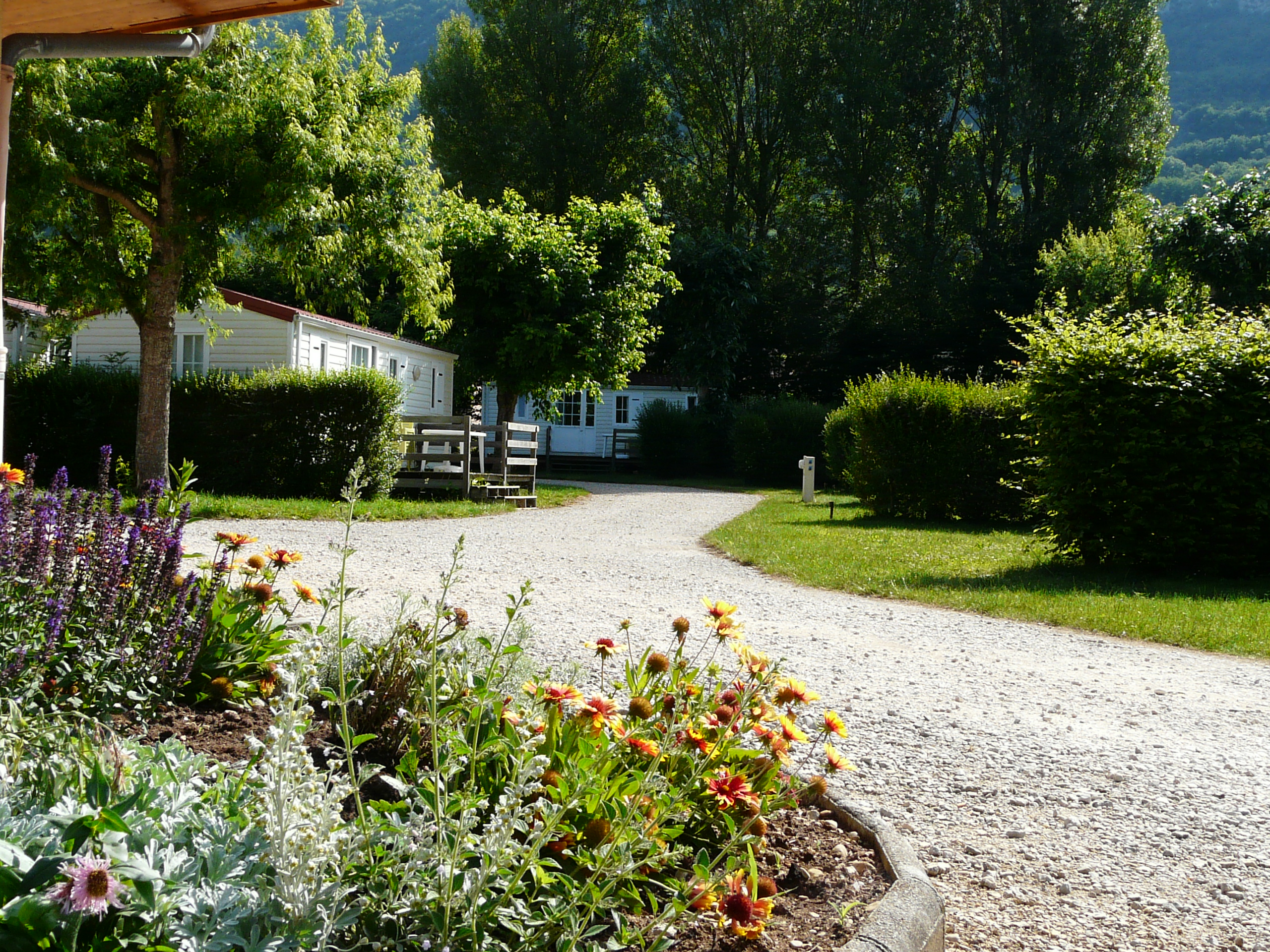 Camping les peupliers du lac mairie de chindrieux for Camping lac du bourget piscine